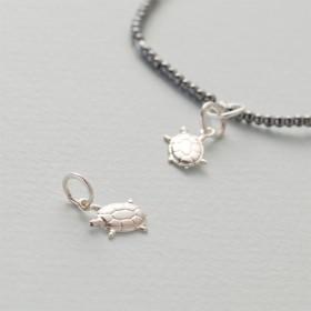 Zdjęcie - Srebrna zawieszka do bransoletek żółwik, Ag925 11x8.5mm